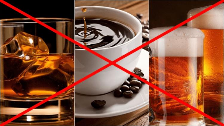Mẹ bỉm sữa nên tránh xa các loại đồ uống chứa caffein và cồn