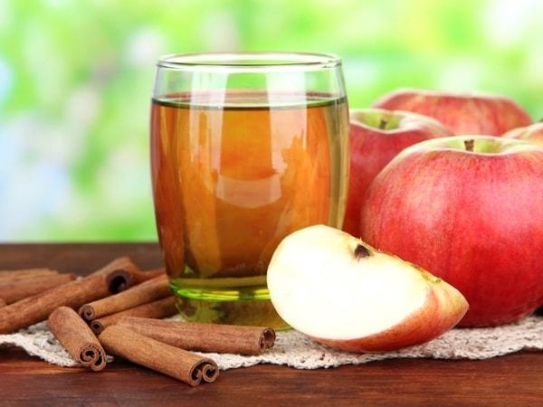 Detox từ trái táo và quế