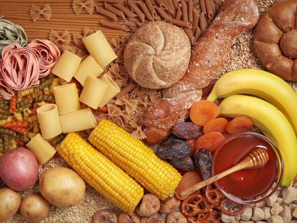 Lựa chọn carbohydrates đến từ ngũ cốc nguyên hạt trước khi ngủ