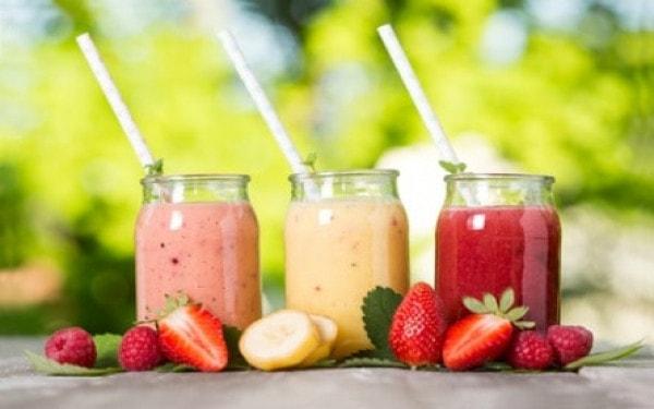Sinh tố hoa quả cung cấp chất hữu cơ có lợi cho sức khỏe và sự tăng trưởng của cơ thể