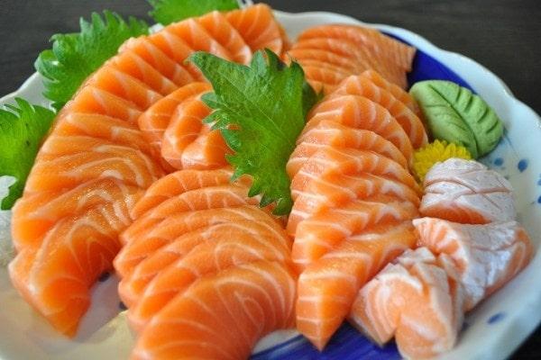 Cá hồi chứa tới lượng lớn calo và chất đạm