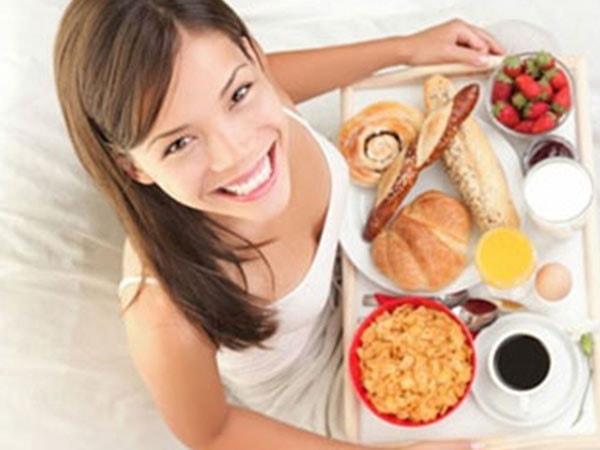 Điều chỉnh lượng thức ăn và dinh dưỡng mỗi bữa ăn