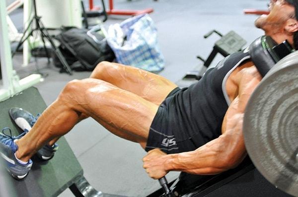 Căng cơ bắp chân đủ mức giúp bài tập của bạn hiệu quả hơn