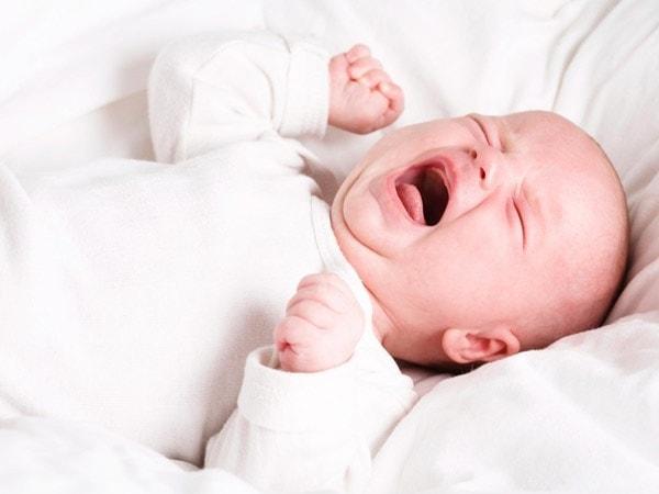 dấu hiệu co giật ở trẻ 1