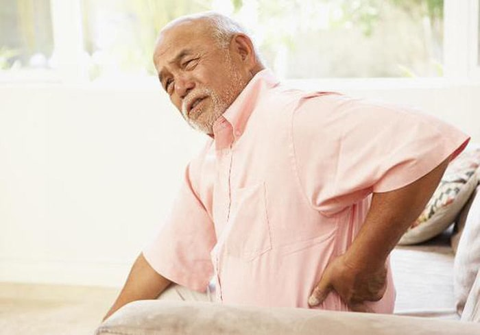 Đau nhức xương khớp ở người già do thời tiết thay đổi