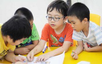 Nên hay không nên thuê gia sư tại nhà cho con học tiểu học?